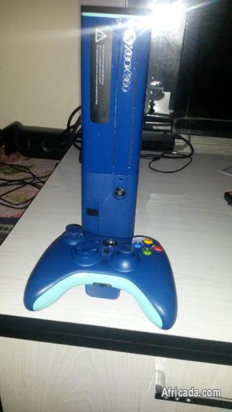 Xbox 360 E 500 gig Special Blue Edition